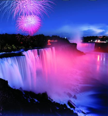 Bedore Tours: Fireworks over the Illuminated Falls