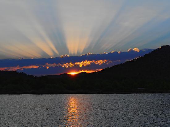 Viva Eden Lago: Sonnenuntergang über der Lagune