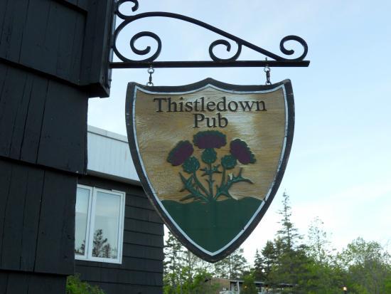 Thistledown Restaurant, Pub & Patio: Signage