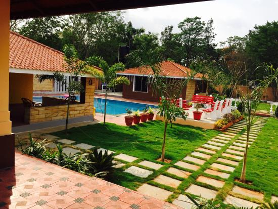 Cottages with private swimming pool oxygen picture of button eyes resort hyderabad for Resorts with private swimming pool in hyderabad