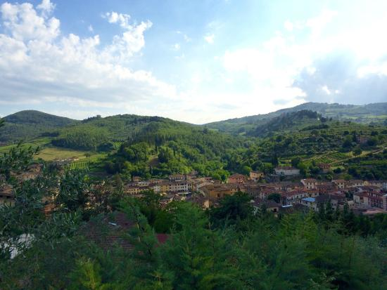 Podere Campriano: View from the property down into the valley.