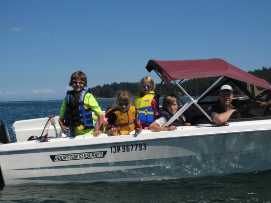 Galiano Moped and Boat Rentals: Kids had a great time!
