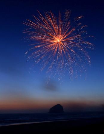 Bob Straub State Park: Fireworks show on the day before 4th of July