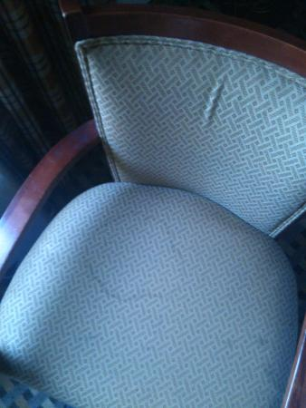 Quality Inn & Suites Decatur - Atlanta East: furniture has stains!