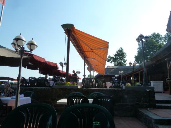 Kisfaludy-ház Restaurant: Good dinner, great views