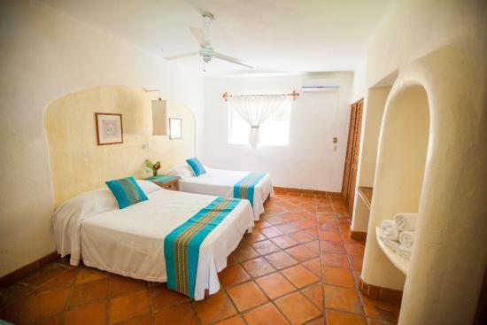 Hotel Villas Sayulita: Full size beds room