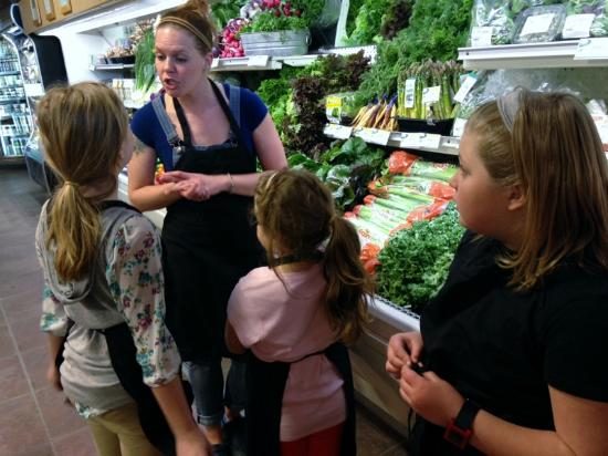 Williamstown, MA: Teaching kids how to select produce