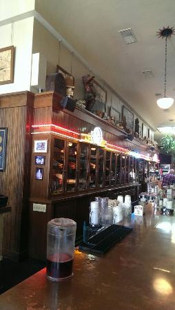 McMenamins Spar Cafe: Spar Cafe Bar & Tobacco