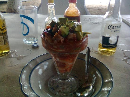 Dayz Hotel Caleta de Campos: En las enramadas se puede comer muy rico, diferentes tipos de marisco y pesacdos preparados a tu