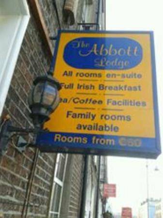 "Abbott Lodge: Sign outside says ""Full Irish Breakfast"""