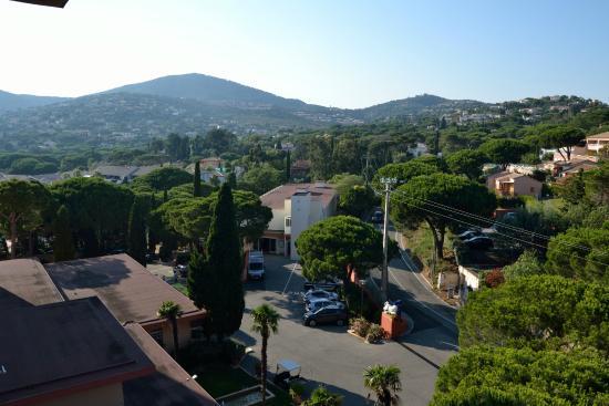 Club Vacanciel Les Issambres: Vue de la chambre côté Sainte-Maxime