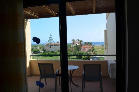 Corali Villas: Blick Schlafzimmer