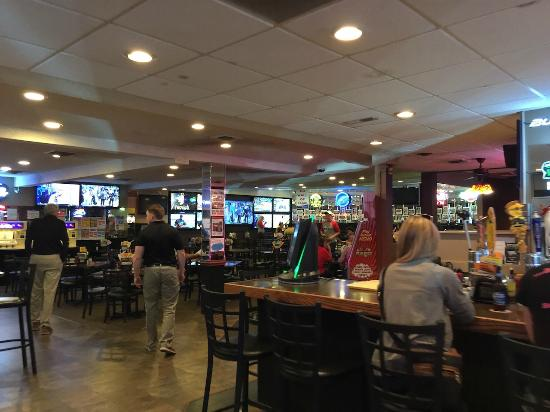 Hastings Keno Sports Bar and Grill: Seating Area