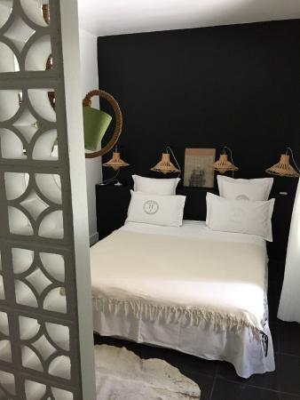 Casa Honore : Stylish room, good lighting