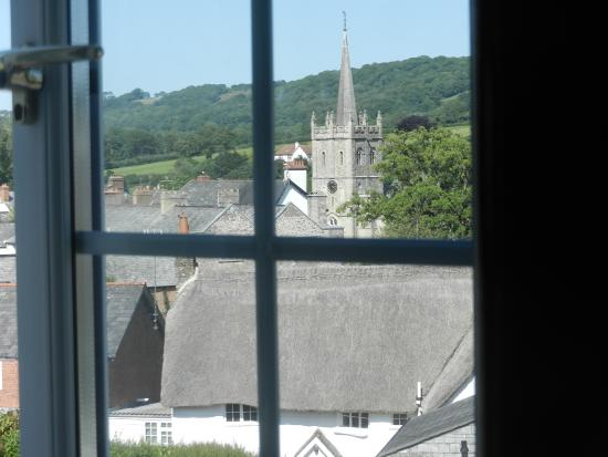 Rose Cottage Guest House: Lovely view of the church