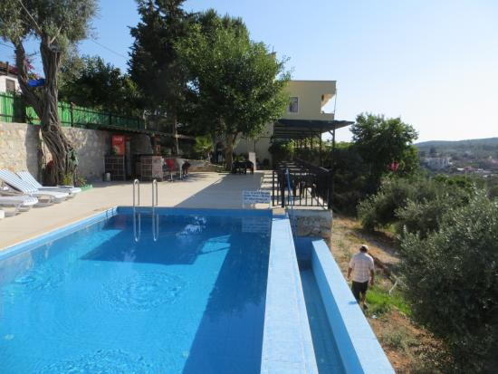 Hotel Sema : Pool mit Hotel