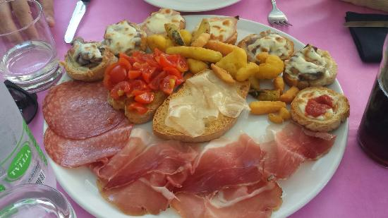 Peperosa Restaurant Bar
