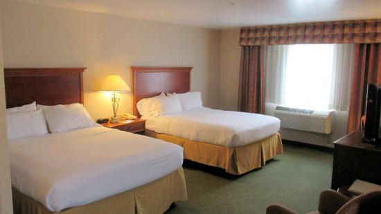 Holiday Inn Express & Suites - Gunnison: Executive Suite bedroom