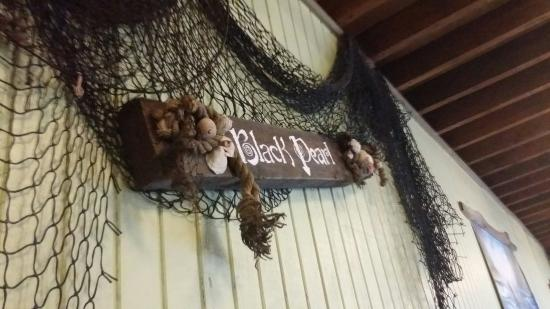 The Black Pearl Surf & Turf Grill: Just having some dinner. A little slow but good appitizers soo far