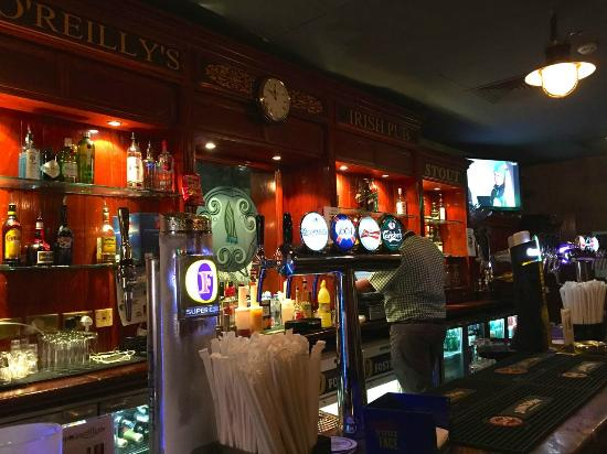 PJ O'Reilly's Irish Bar: The bar