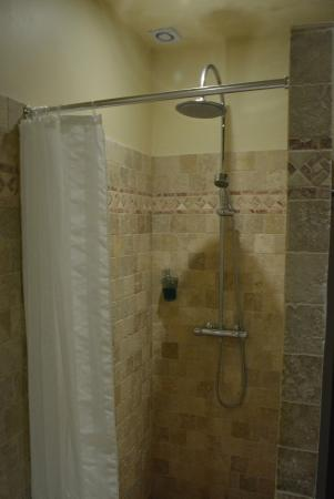 Domaine des Anges : Great shower with perfect water pressure