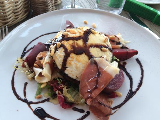 River Cafe : My delicious goats cheese salad