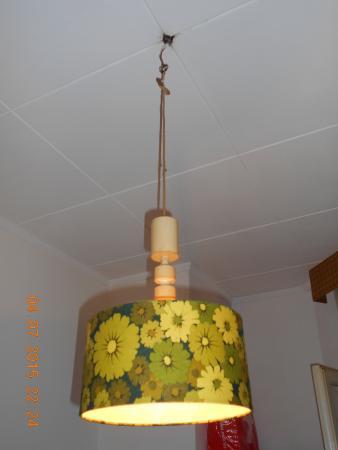Pension Old Inn: l'abat-jour dans ma chambre