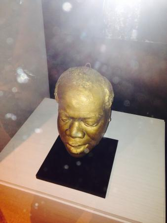 Louis Armstrong House Museum: Louis Armstrong's life mask