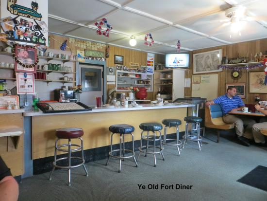 Ye Old Fort Diner: Interior