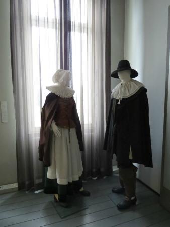 Jewish Museum: vestimenta
