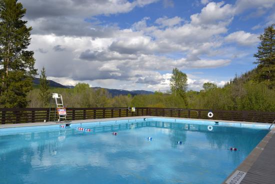 Easley Hot Springs: Easley pool with view