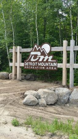 Detroit Lakes, MN: Front Entrance at Detroit Mountain.