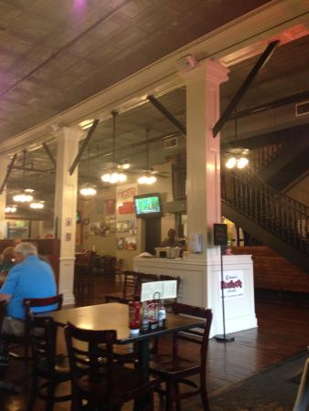 Mugshots Grill & Bar : Interior of restaurant