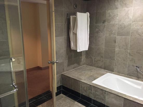 Grand DarulMakmur Hotel Kuantan: photo0.jpg