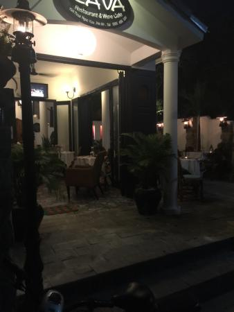 CAVA Restaurant & WineCafe: Everything was lovely, the staff, the chef, our friend's vegan pasta and our seafood platter :-)