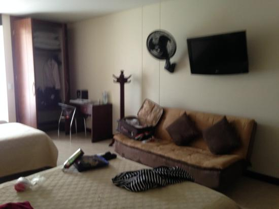 Hotel Primavera Plaza: Amplia
