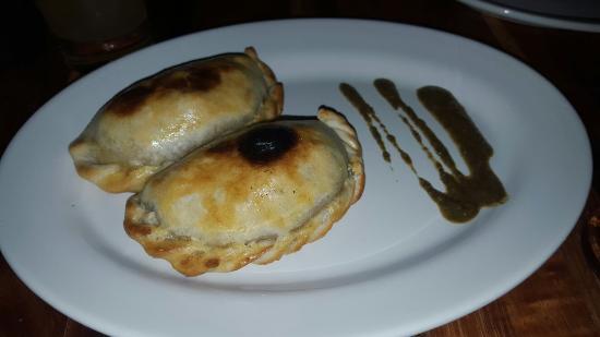 La Rueda: Empanadas de carne. Deliciosas.