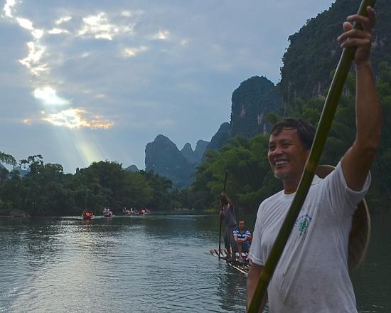 Dragon River Retreat : Having fun on the Yulong (Dragon) River