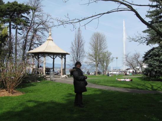 El jardin anglais picture of le jardin anglais geneva for Le jardin anglais geneve