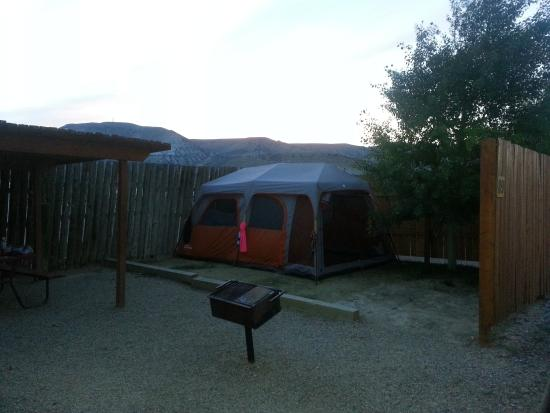 Rock Springs KOA: Our tent site, with a privacy fence and grass!