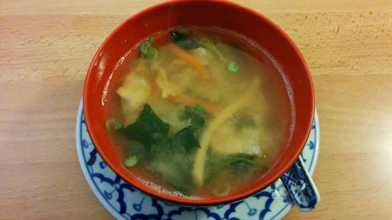 """Bento Ya: """"Tori Suppe"""": Hühnerfleisch mit Zitronengras und Champignons"""