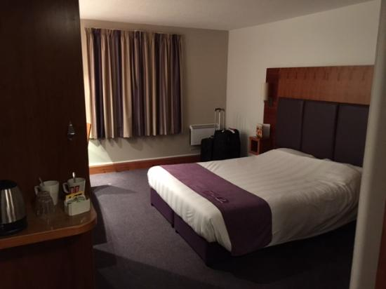 Premier Inn Aberdeen (Westhill) Hotel: vista de la habitación