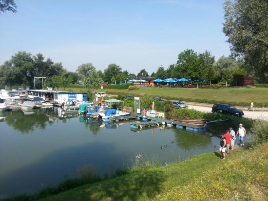 Camping & Pension Au an der Donau: Wi-Fi free, good for children ...