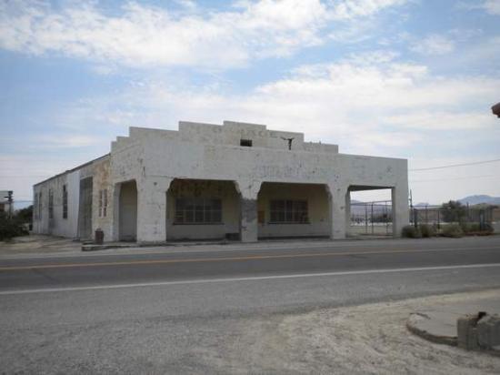 Ancien garage photo de amargosa opera house restuarant for Garage ad avis