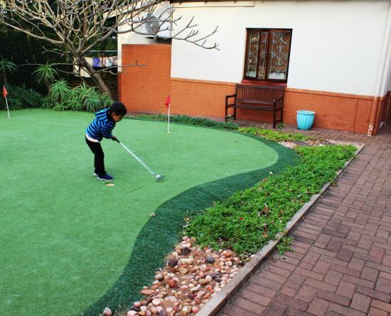 Ocean Park Guest House: Mini Golf