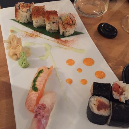Petit sashimi picture of aroma sushi angers tripadvisor for Aroma japanese cuisine