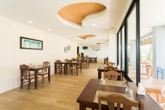 โรงแรมพระนางเพลส: Restaurant (Air-Zone)