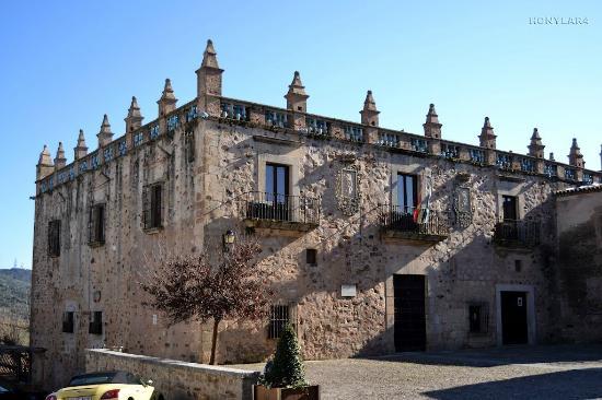 Aljibe almohade de los siglos XI-XII - Picture of Museo de Caceres, Caceres -...