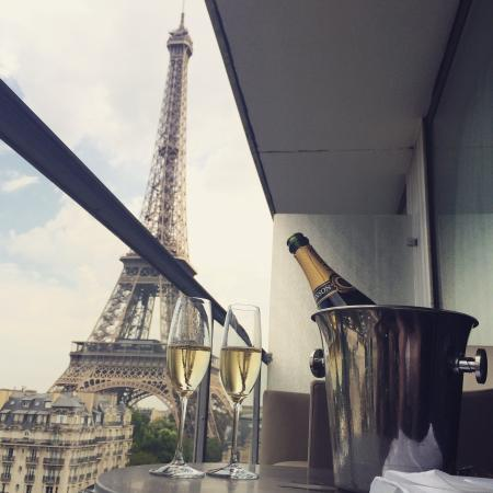 Hotels Near Eiffel Tower - Book The Closest Hotels