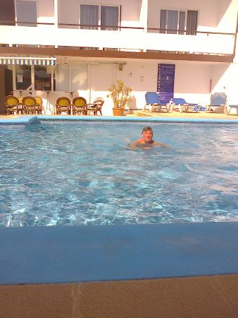 azuLine Hotel Mediterraneo : cooling in the pool